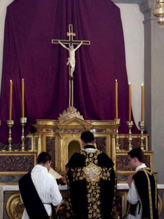 15 - Communion du célébrant.