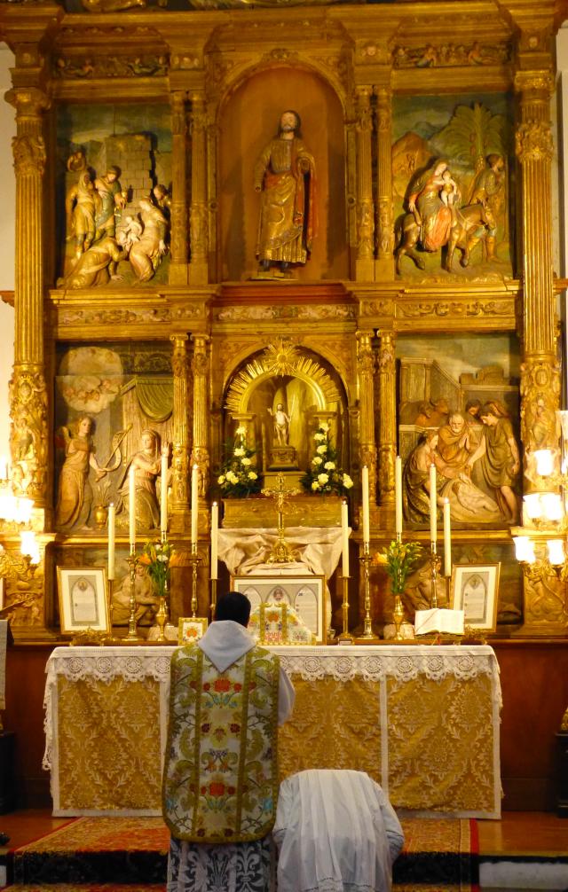 Prières au bas de l'autel