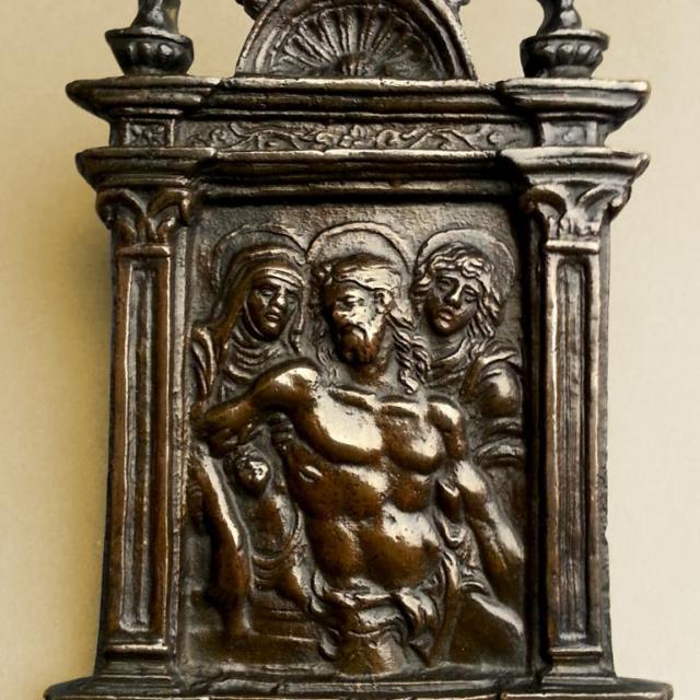 Instrument de paix : instrument liturgique employé pour le baiser de paix