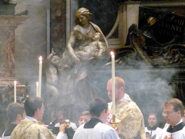Chant de l'évangile par le diacre (3)