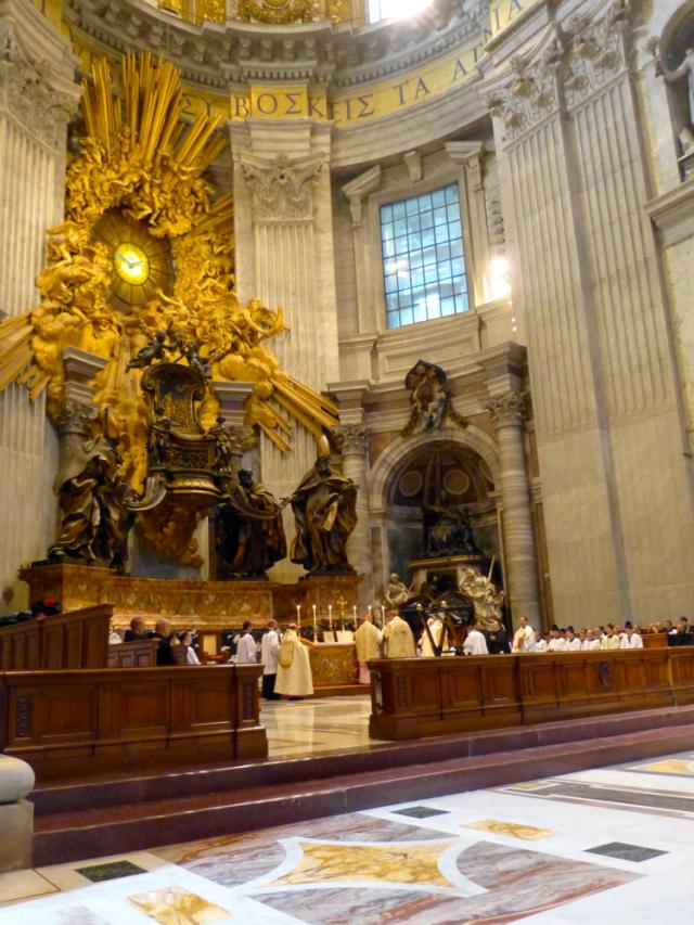 Vue du chœur de Saint-Pierre de Rome pendant l'offertoire