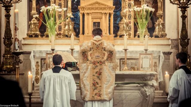 Messe à Saint-Louis-en-L'Ile le 25 avril 2014 : 800ème anniversaire de la naissance de saint Louis