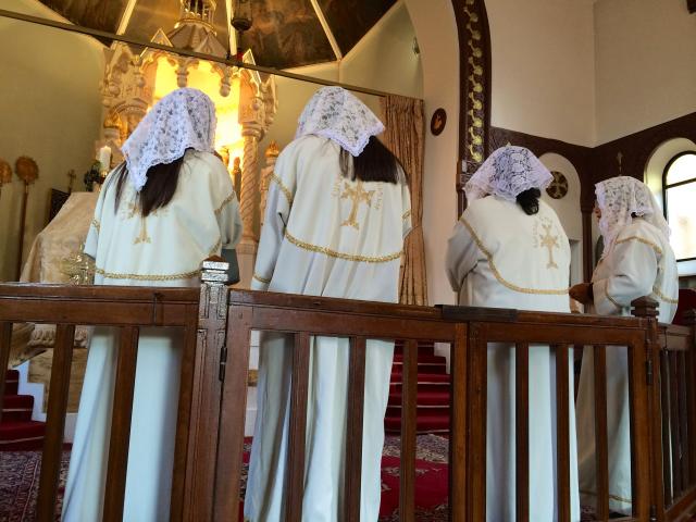 01 - Le chœur avant que la messe ne commence