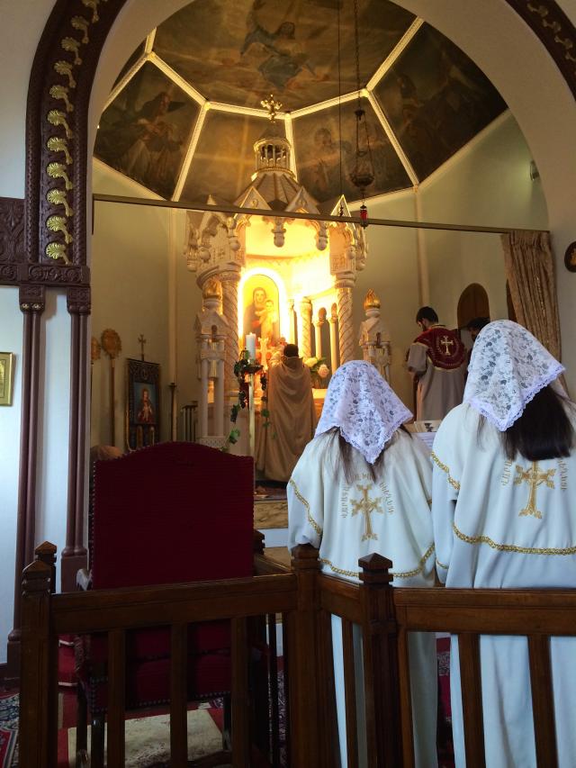 06 - Elévation des saintes espèces pendant le Sancta Sanctis