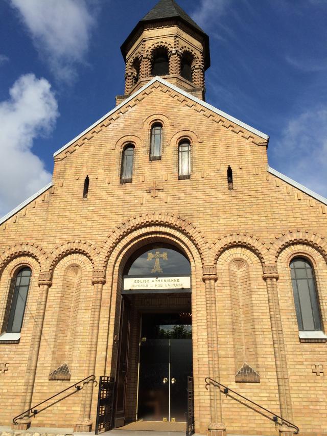 07 - Eglise apostolique arménienne Sainte-Croix-de-Varak d'Arnouville