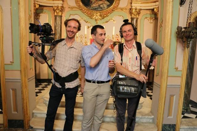 12 - Après la messe, léquipe des Films du Lutrin, qui réalise un film sur la Schola Sainte Cécile