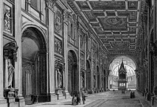 L'intérieur de l'Archibasilique du Latran, avec les statues des 12 apôtres et l'autel papal surmonté de son ciborium du XIVème siècle