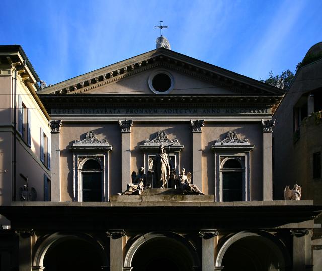 Façade de Santa Maria della Consolazione, reconstruite en 1836 par Giovan Battista Chiappa dans le style néo-classique