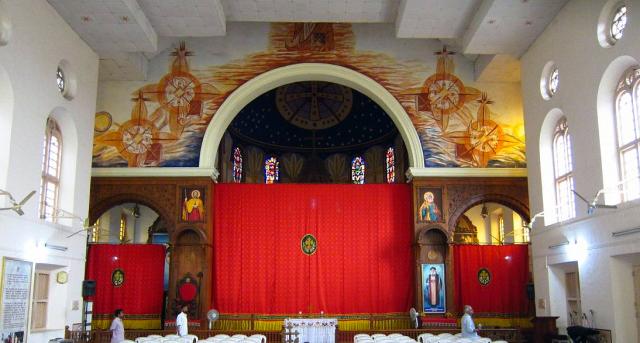 Voiles dans une église de rite syro-malankare au Kérala.