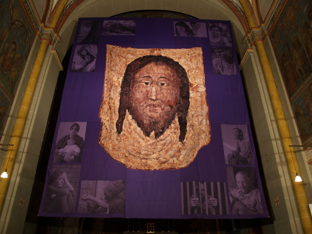 Voile de Carême réalisé pour l'année 2010 pour la cathédrale de Bonn.