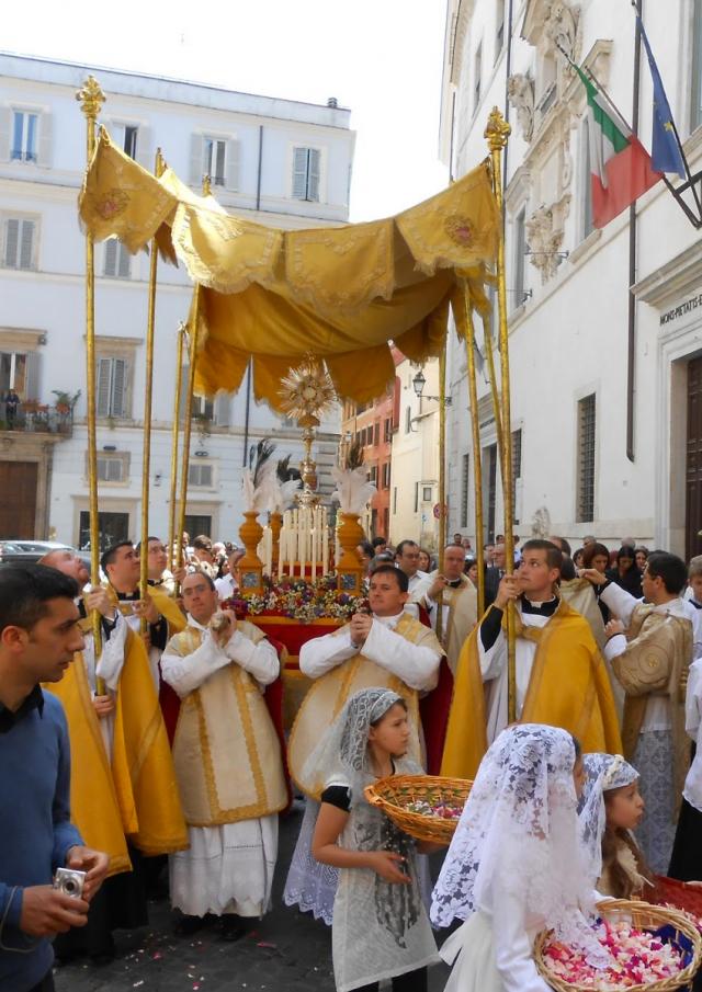 01-Fête-Dieu à Rome