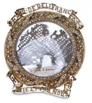 Relique de la ceinture de la Vierge de Quintin en Bretagne.