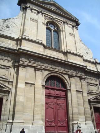 Ancienne façade de Saint-Eloi du Palais remontée sur Notre-Dame-des-Blancs-Manteaux.