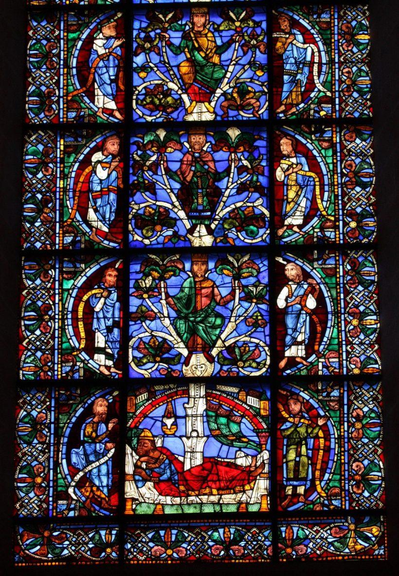 Vitrail de l'Arbre de Jessé - cathédrale de Chartres - XIIème siècle.