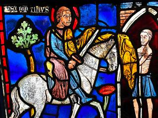 Saint Martin partageant son manteau - vitrail de la Sainte Chapelle - Musée de Cluny - Paris