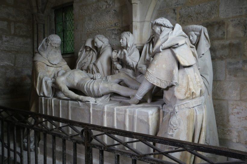 Mise au tombeau de Tonnerre