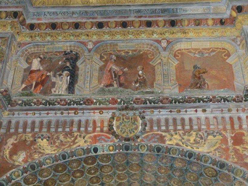 La mise au tombeau de Rodez. Les registres supérieurs.
