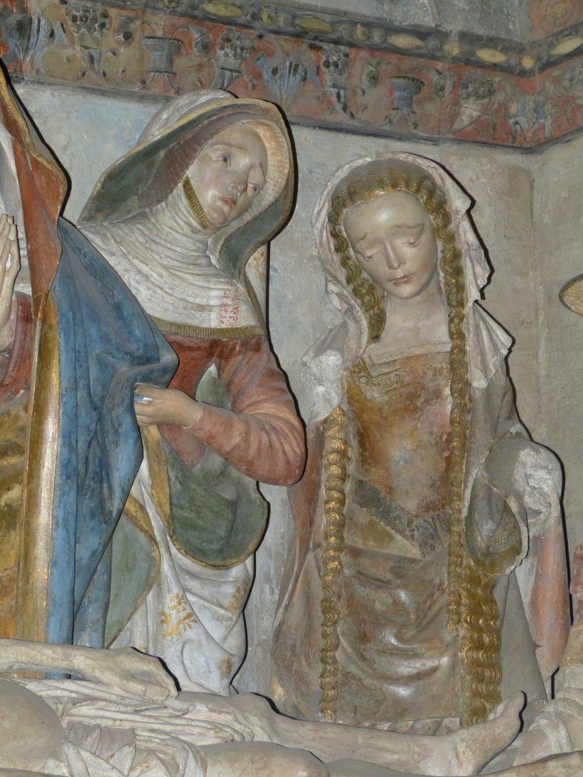Mise au tombeau de Rodez. Sainte Femme et sainte Marie-Madeleine.