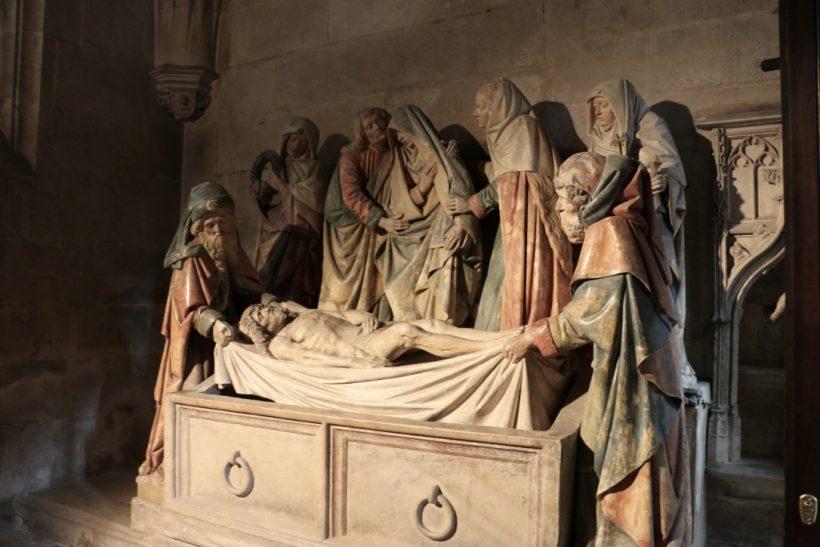 Mise au tombeau Semur-en-Auxois.