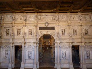 Le teatro olimpico de Vicence par Palladio.