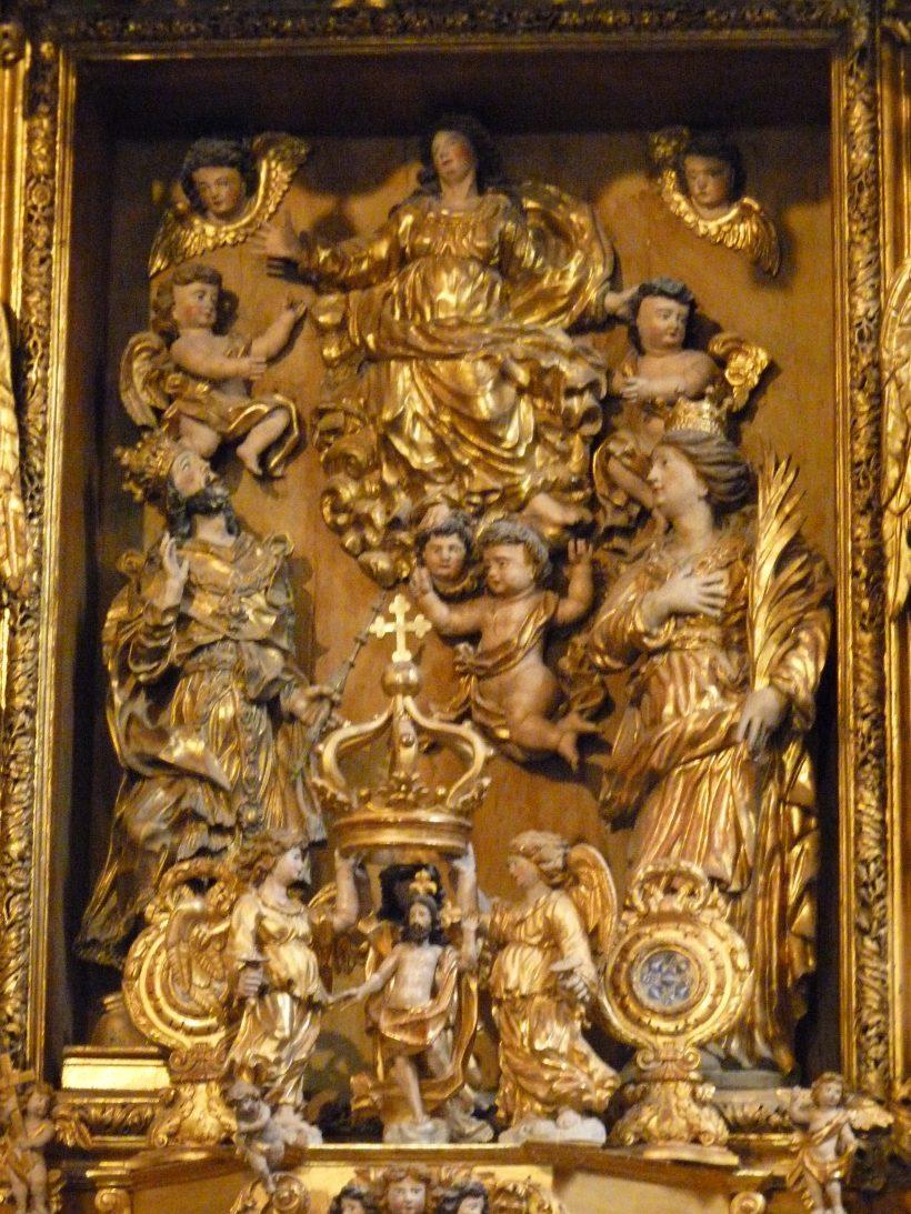Saint-Sigismond de Champagny-en-Vanoise : l'Assomption de la Vierge sur le retable majeur.
