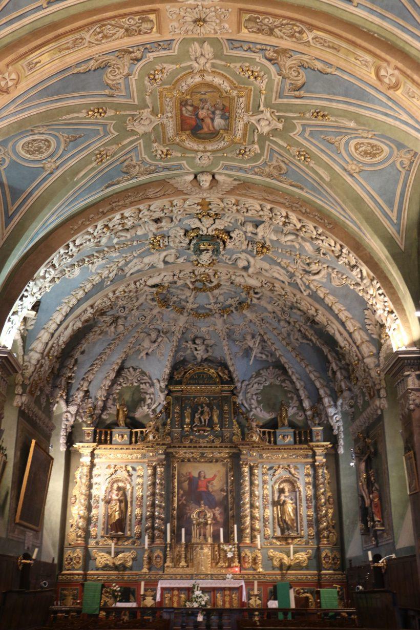 Notre-Dame de l'Assomption à Valloire : la nef et le chœur.