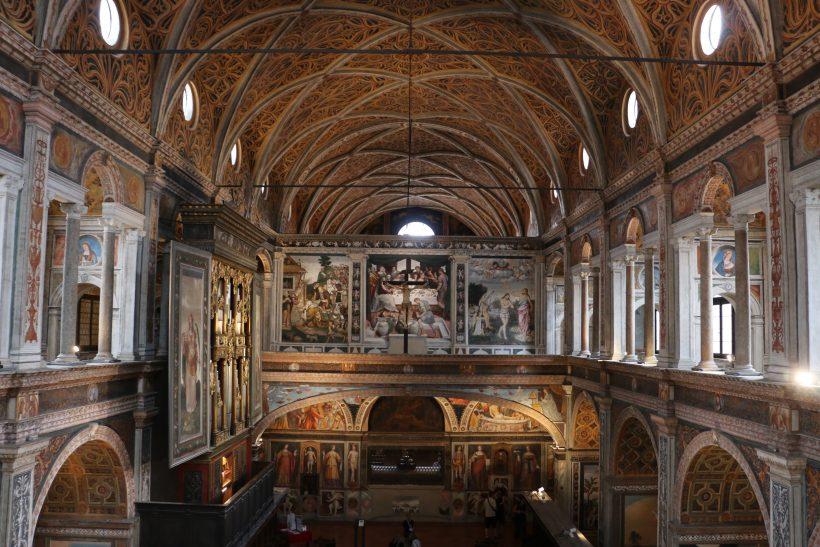 Vue de la nef des moniales, avec l'orgue