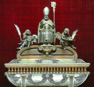 Reliquaire de saint Eusèbe dans la cathédrale de Verceil.