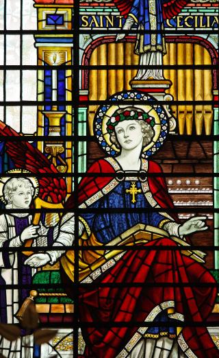 Sainte Cécile, patronne des musiciens - vitrail de l'église du Saint-Sépulchre de la Citée de Londres.