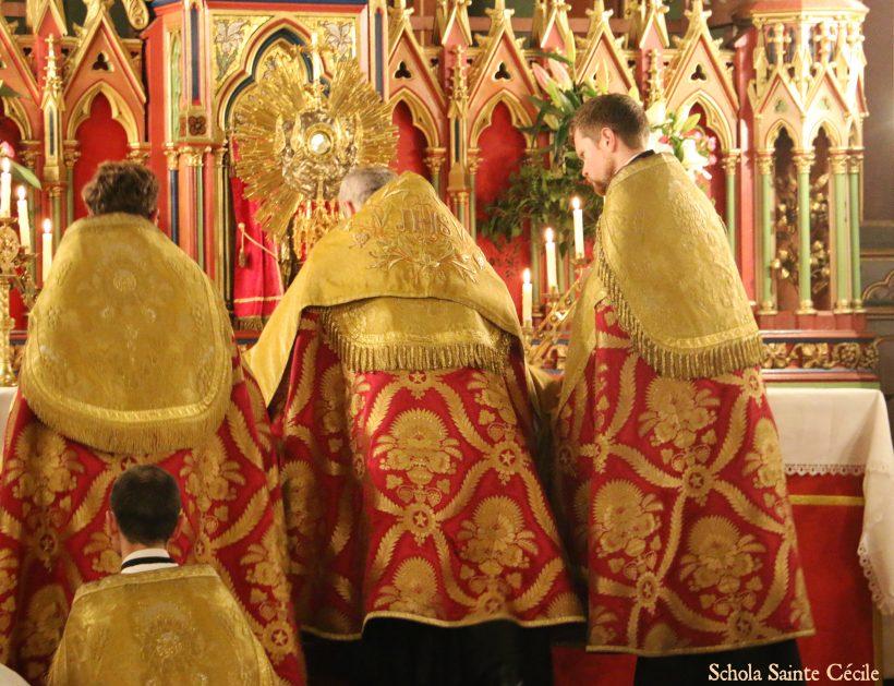 Fêtes patronales 2019 - Secondes vêpres de la solennité de saint Eugène - au salut du Très-Saint Sacrement.