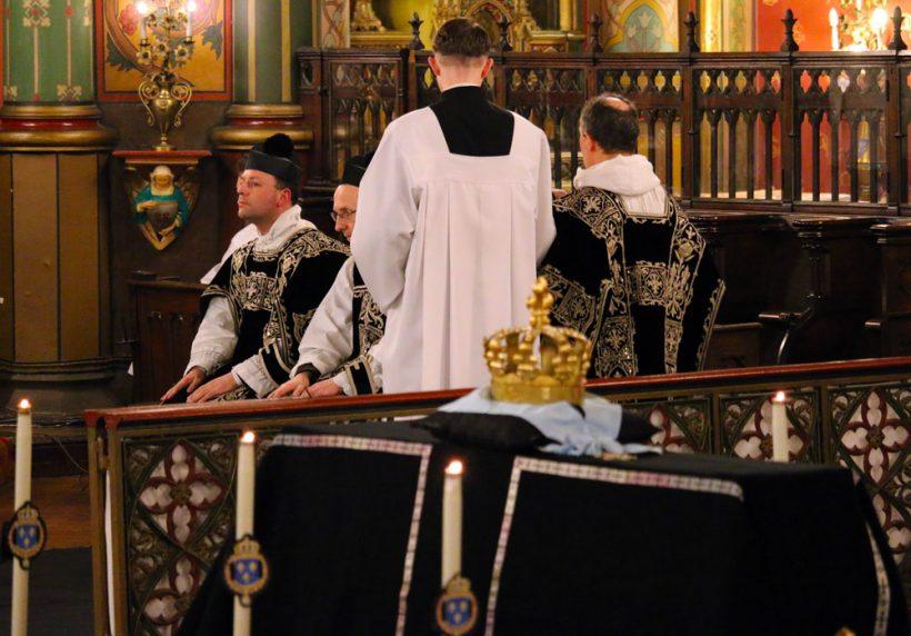 Requiem pour Louis XVI du 21 janvier 2021  : le chant de l'épître par le sous-diacre